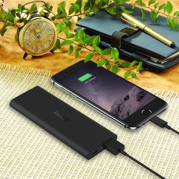 Aukey Slim 6000 mobile battery bank is slim and complements your slim iPhone well