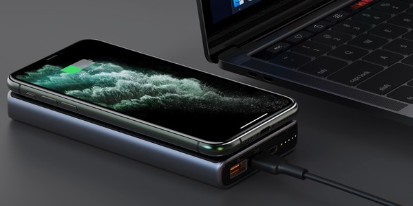 USB-C PD wireless charging power bank for S10+