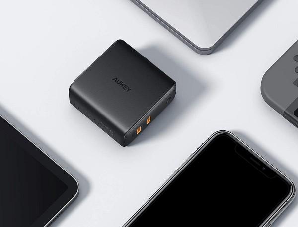 Dual USB-C power adapter