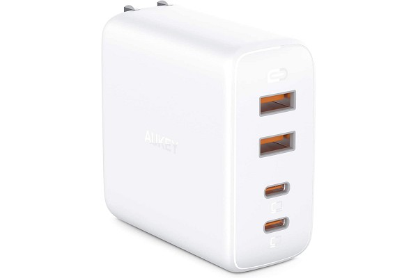 USB-C power adapter for iPhone 11 and MacBook